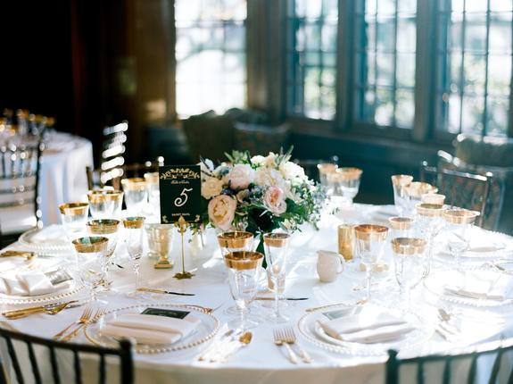 Timeless Elegance at The University Club. Linen Effects wedding, party, and event rentals. Minneapolis, Minnesota. www.lineneffects.com | Photo by Amanda Nippoldt Photography